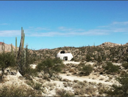 11 Igloo in the desert