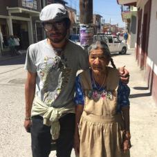 74 La abuela y su nieto